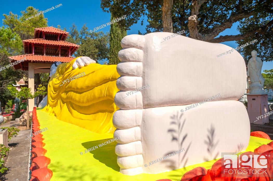 Imagen: Reclining Buddha in the park of pagoda Hong Hien, Frejus, Var, Provence-Alpes-Cote d`Azur, France, Europe.