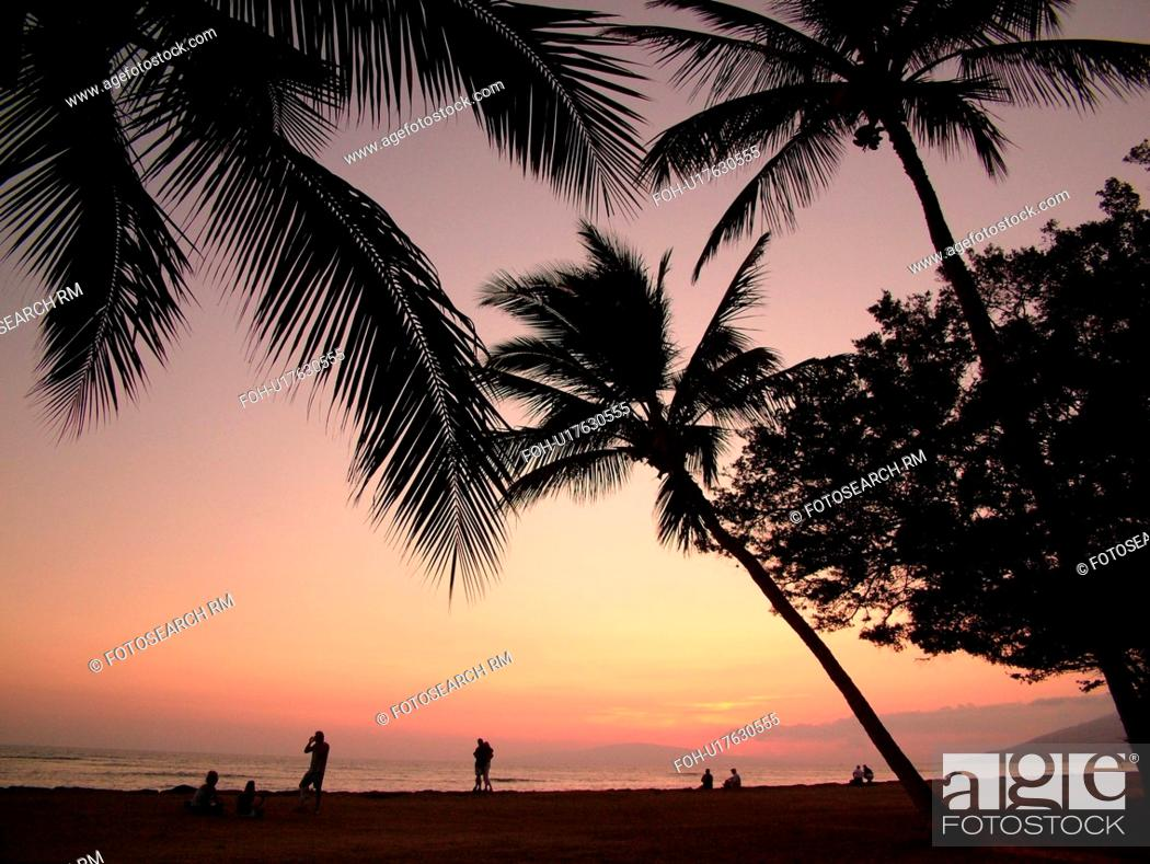 Stock Photo: Kihei, Maui, HI, Hawaii, Leeward Coast, Maalaea Bay, Kamaloe, Kamaloe beach, sunset, Southwestern Coast.