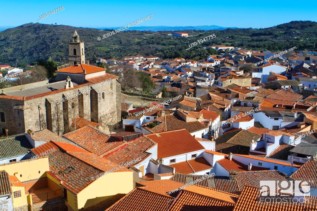 Stock Photo: Overview of Montanchez and San Mateo church, in Caceres province, Extremadura, Spain.