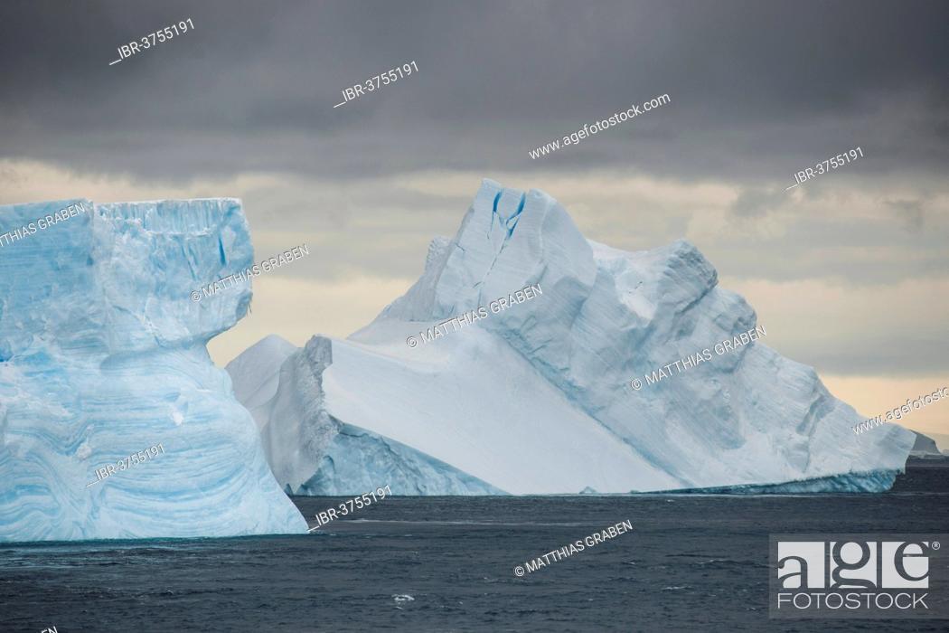 Imagen: Icebergs floating in the South Atlantic Ocean, Weddell Sea, Antarctic Peninsula, Antarctica.