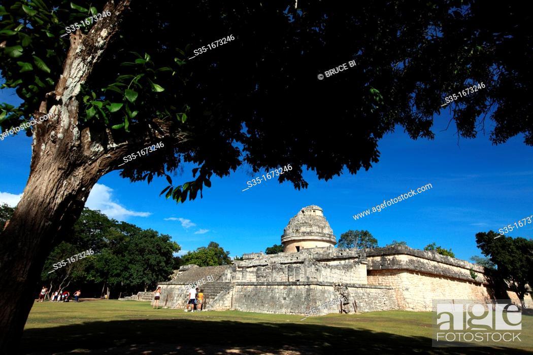 Stock Photo: El Caracol aks Observatory tempe in pre-Hispanic Mayan city of Chichen-Itza  Chichen Itza  Mexico.