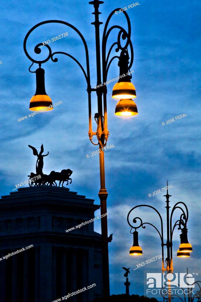 Stock Photo: The Quadriga dell'Unità on the summit, National Monument to Victor Emmanuel II, Monumento Nazionale a Vittorio Emanuele II, Altare della Patria, Piazza Venezia.
