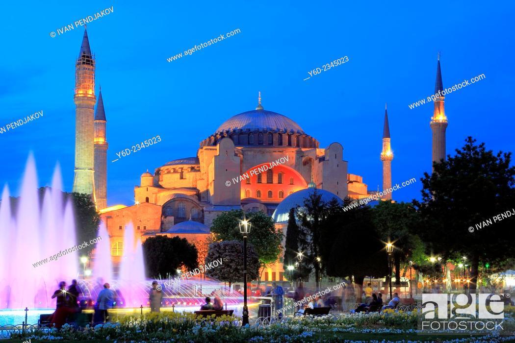 Imagen: Hagia Sophia in the Evening, Istanbul, Turkey.