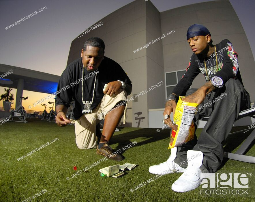 Imagen: Deandre Way aka Soulja Boy (r) and Miami Mike portrait on October 15, 2009 in Los Angeles, California.