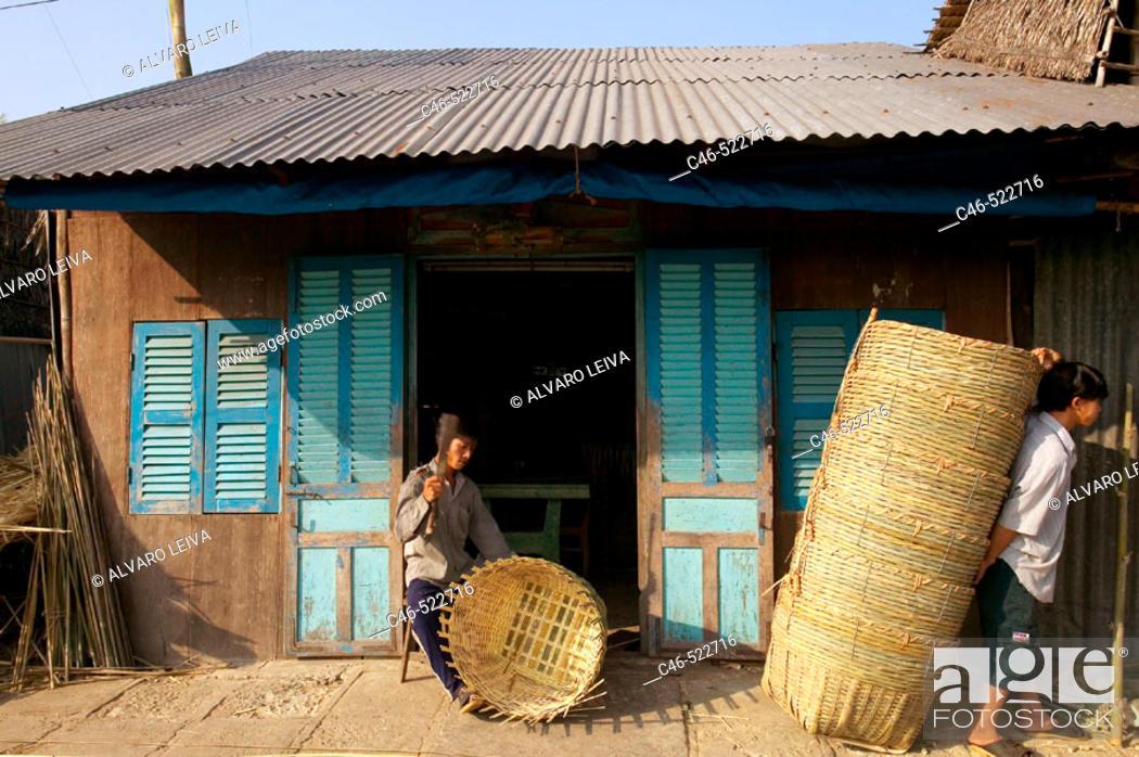Stock Photo: Baskets artisan, market at Pung Hiep, Mekong River, Mekong Delta, Vietnam.