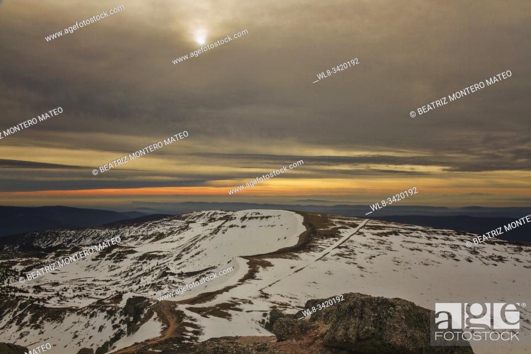 Stock Photo: Dawn snowy Urbion peaks in Soria (Spain).