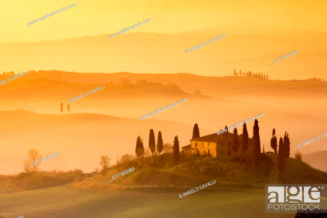 Stock Photo: Orcia Valley (Val D'orcia). Farmhouse called 'Il Belvedere' near Pienza. Tuscany. Italy.