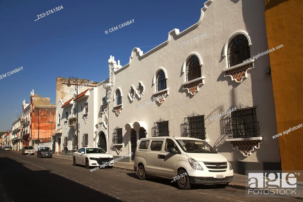 Stock Photo: View to the colonial buildings at the historic center, Puebla, Puebla State, Mexico, Central America.
