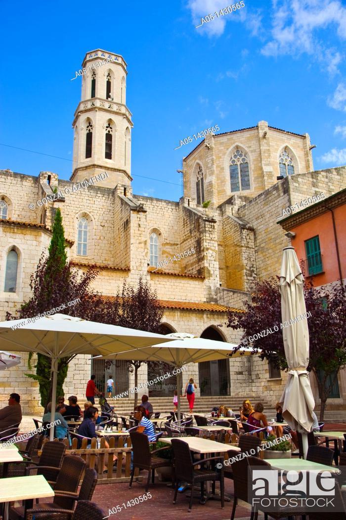 Stock Photo: Sant Pere Church, Figueres, Alt Empordá, Costa Brava, Girona Province, Catalonia, Spain.