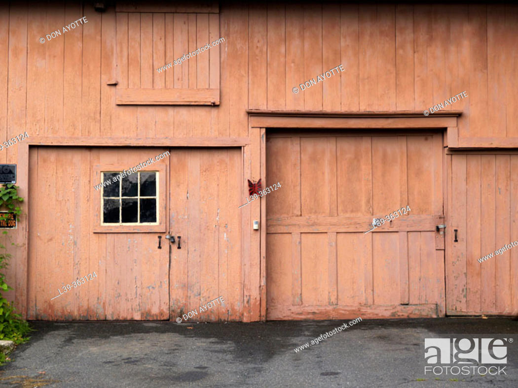 Stock Photo: Garage. Turners Falls, Massachusetts. USA.