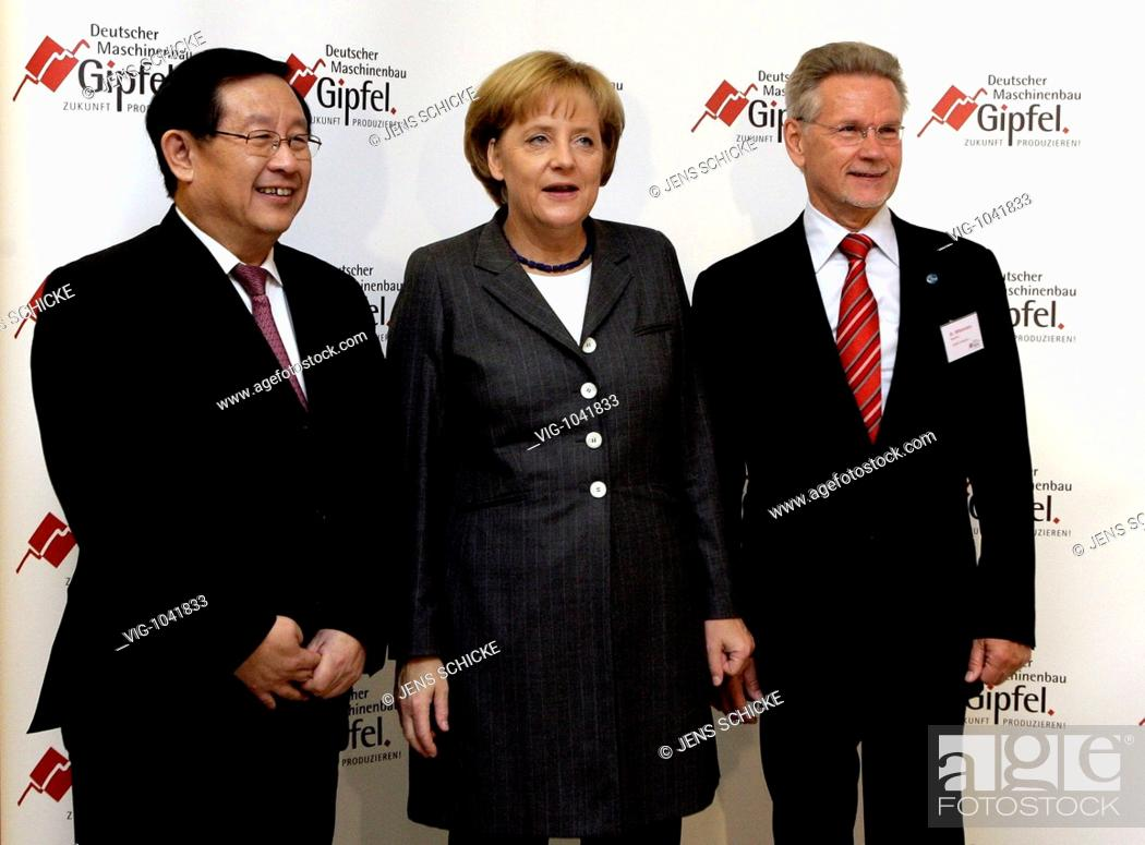 Stock Photo: GERMANY, BERLIN, 14.10.2008: WAN GANG, minister for science and technology of China, Dr. Angela MERKEL, (CDU) federal chancellor and chairwoman of the Christian.