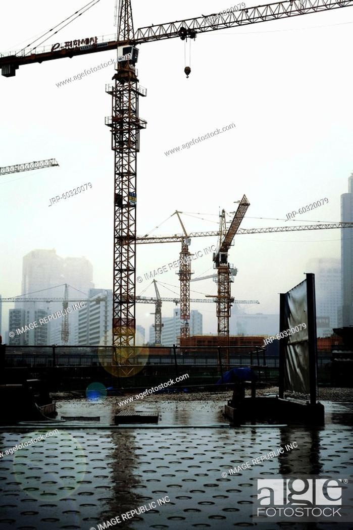 Stock Photo: Seoul, Korea, buildings under construction.