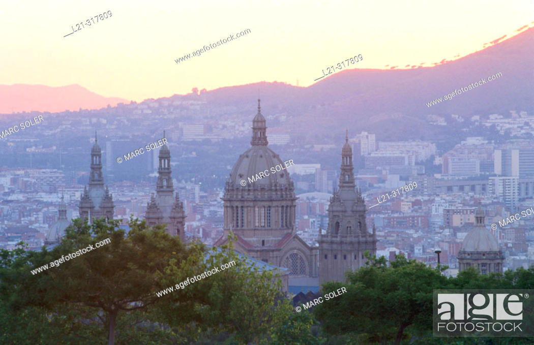 Stock Photo: National Palace seen from Montjuic. Barcelona. Spain.