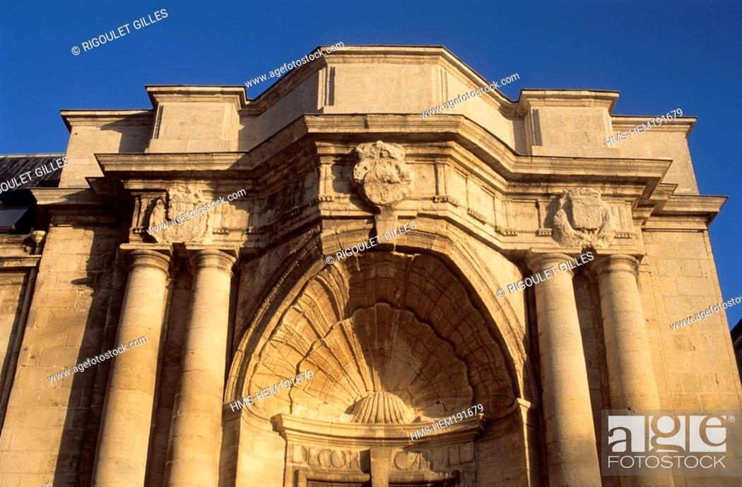 Stock Photo: France, Charente Maritime, La Rochelle, La Coursive, sculpted scallop at the entrance of the Chapel.