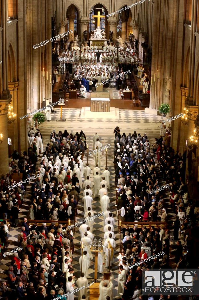 Stock Photo: Chrism mass Easter wednesday in Notre Dame Cathedral, Paris.