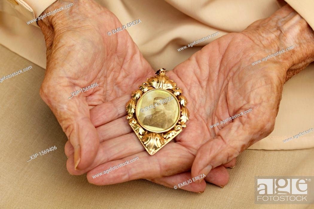 Stock Photo: Hands of old woman.