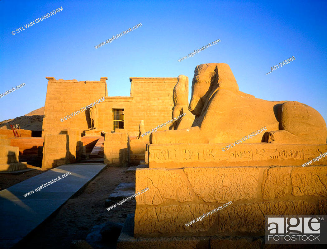 Imagen: Sphinx alley in the Temple of Wadi el-Sebua. Lake Nasir shoreline. Nubia. Egypt.
