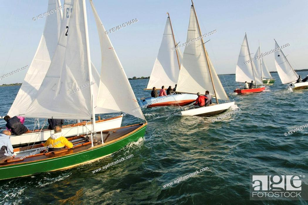 Stock Photo: World championship of Cazavant and old riggings, boat race, Fier d'Ars, Île de Ré, Atlantic Coast. Charente-Maritime, Poitou-Charentes, France.