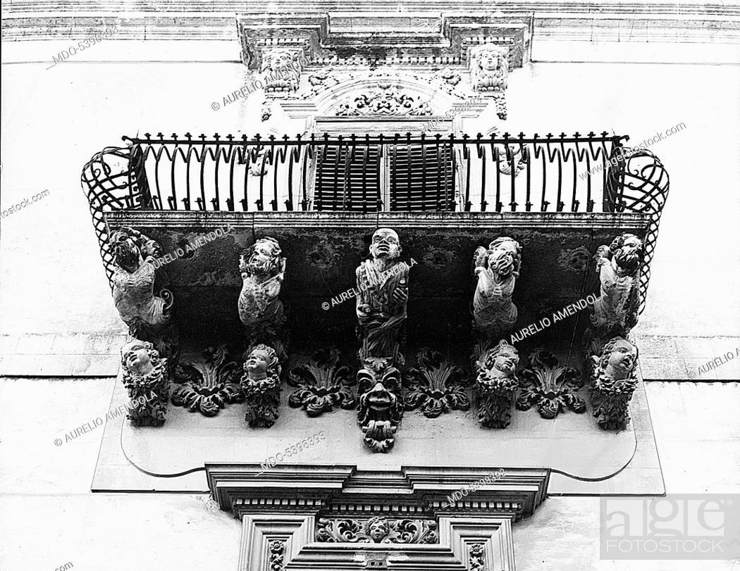 Imagen: Nicolaci palace balcony (Balcone di palazzo Nicolaci), by Rosario Gagliardi, 1720, 18th Century.