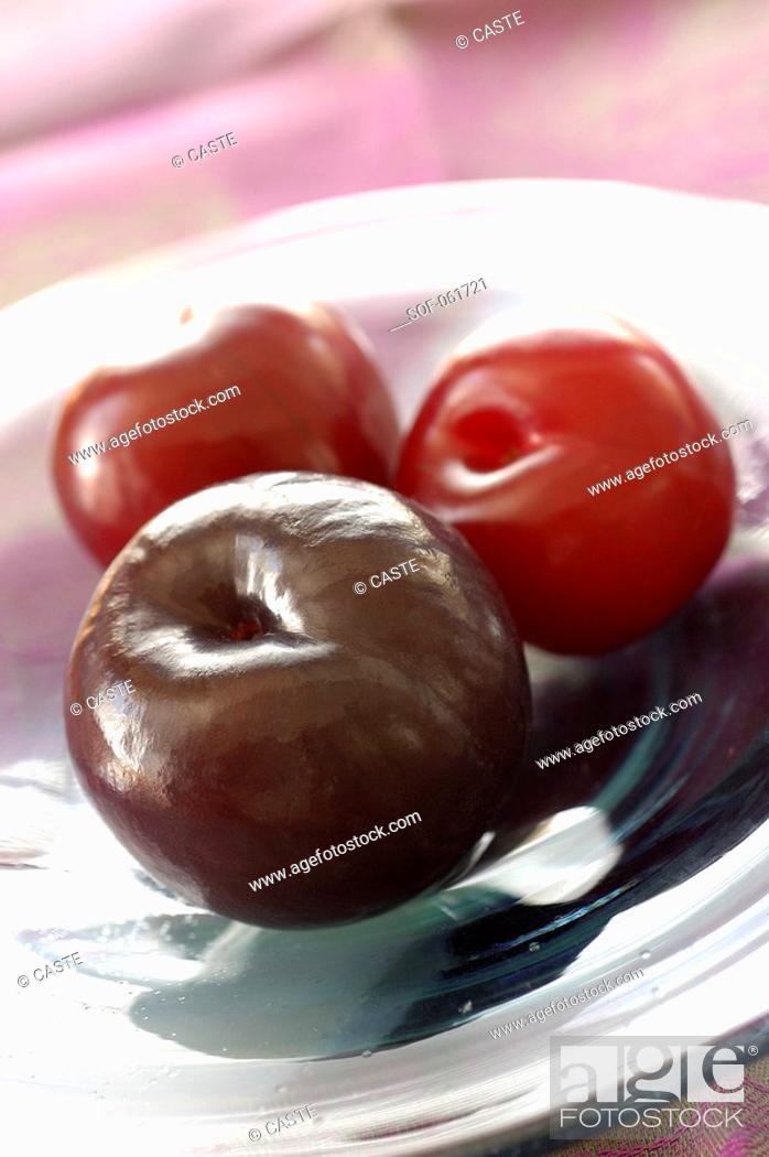Stock Photo: plums.
