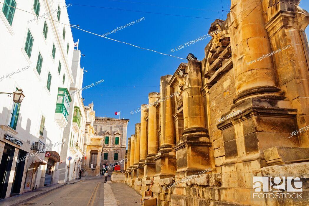 Imagen: Ruins of the Royal Opera House at Pjazza Teatru Rjal. Valletta, Malta.