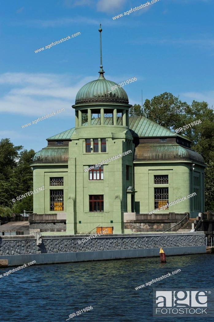 Hydro-electric power plant on the Vitava River, the building