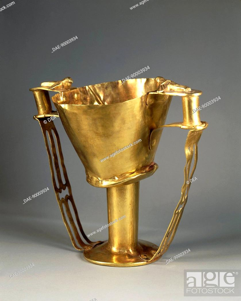 Stock Photo: Greek civilization. Goldsmithery. Golden goblet with birds on the handles, known as Cup of Nestor. From Mycenae, Grave Circle A, Tomb IV.