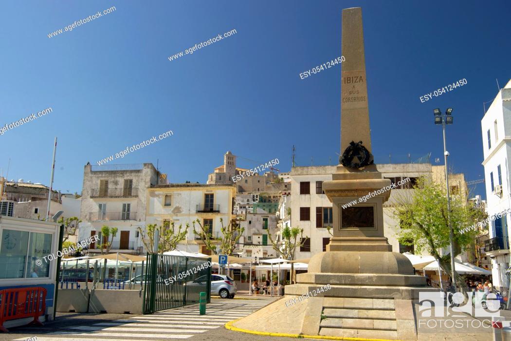 Photo de stock: Monumento a los corsarios. Puerto de Eivissa. Ibiza. Illes Balears. España.