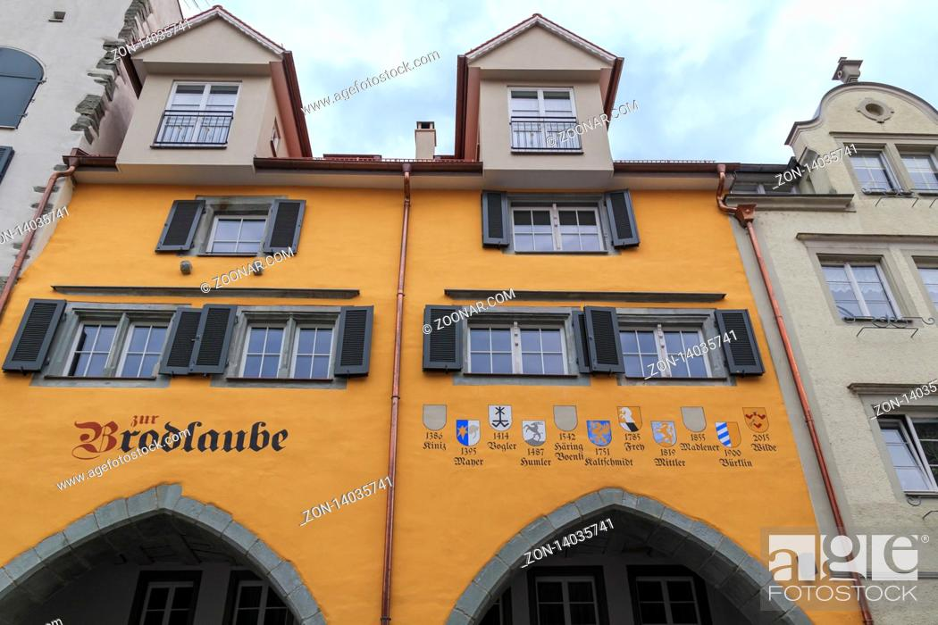 Stock Photo: Historische Geschäftshäuser in der Maximilianstraße Lindau, Bodensee.