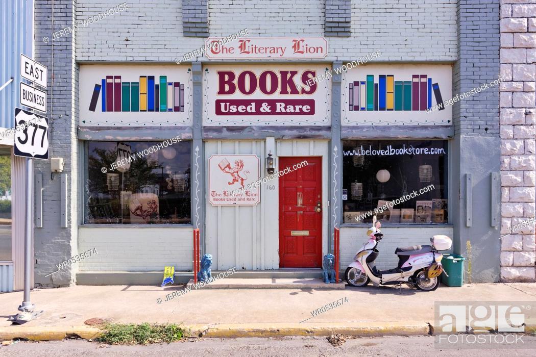 Imagen: Used Books Storefront.