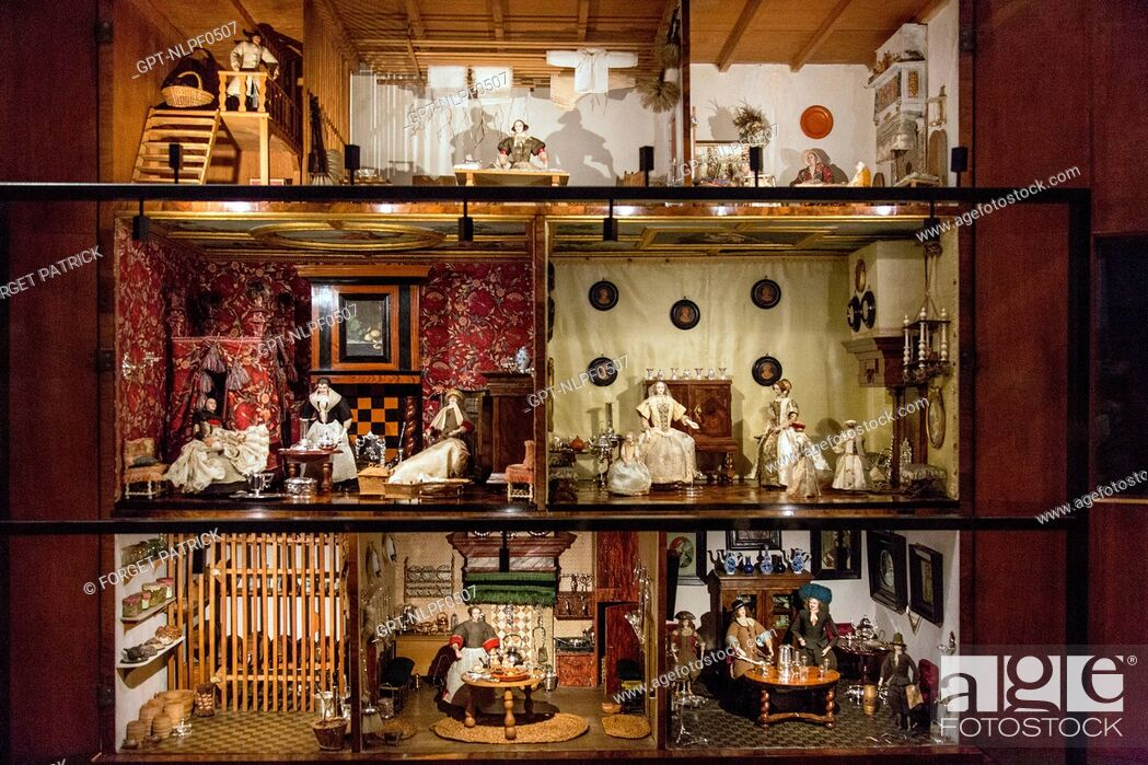 Stock Photo: THE DOLLS' HOUSE OF PETRONELLA DUNOIS, 1676, RIJKSMUSEUM, AMSTERDAM, HOLLAND.