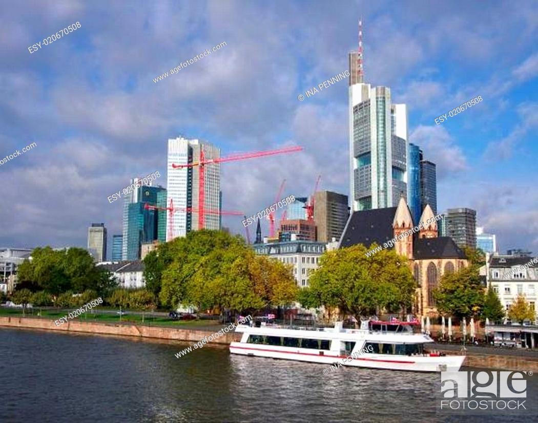 Stock Photo: Morgens in Frankfurt am Main.
