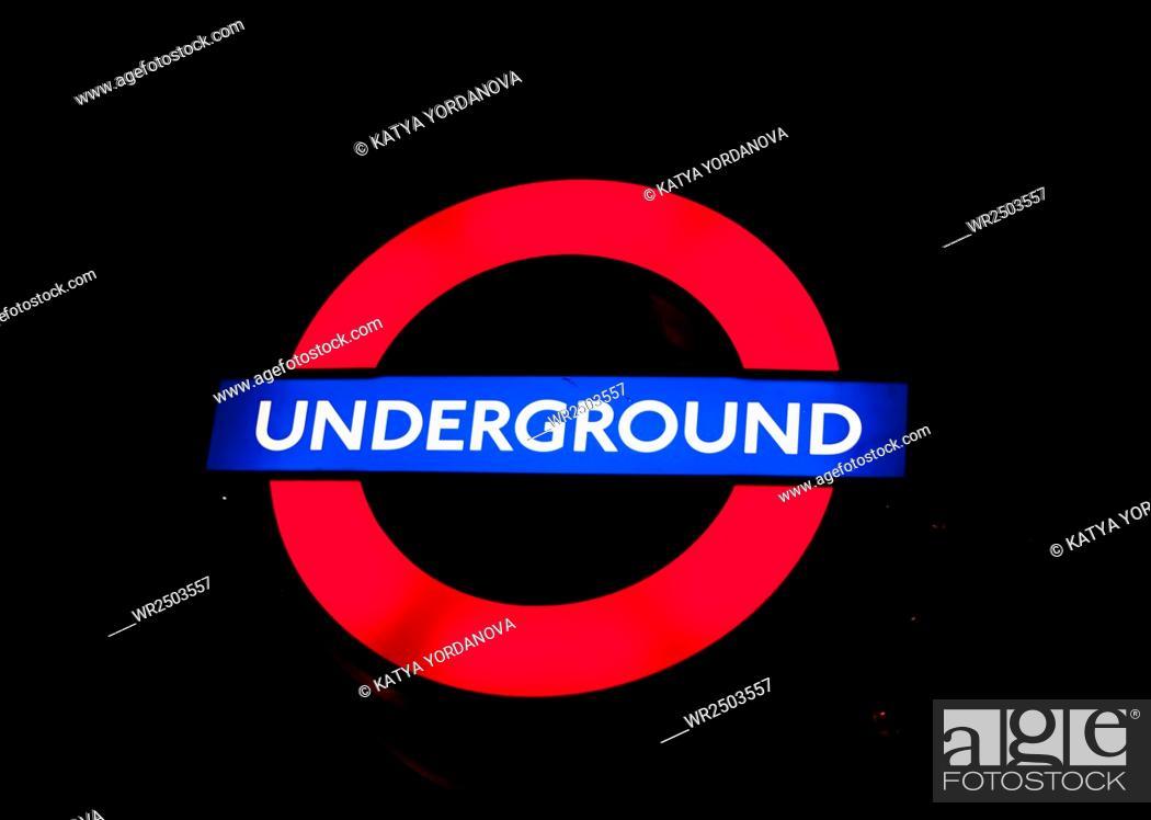 Stock Photo: London Undergroundsign.