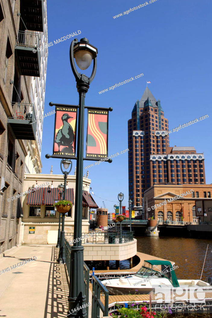Stock Photo: River Walk along the Milwaukee River in the city of Milwaukee Wisconsin. USA.