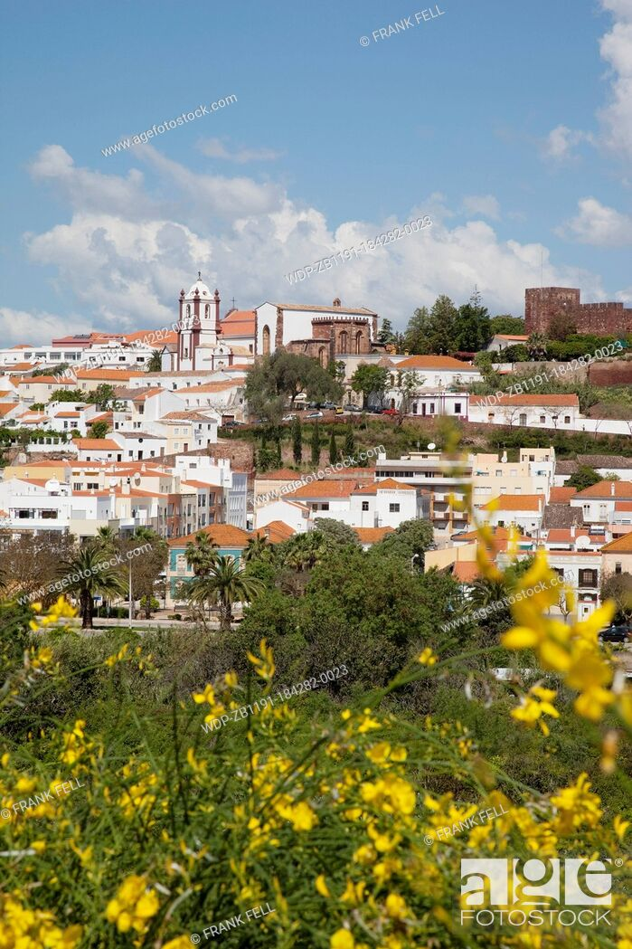 Imagen: Portugal, Algarve, Silves, View of Cathedral, Castle & Town.