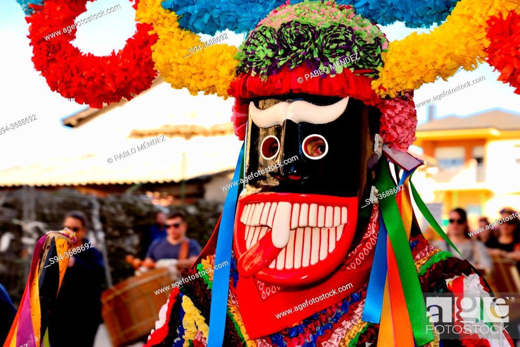 Imagen: Boteiros of Viana council. Entroido or carnival of Viana do Bolo, Orense, Spain.