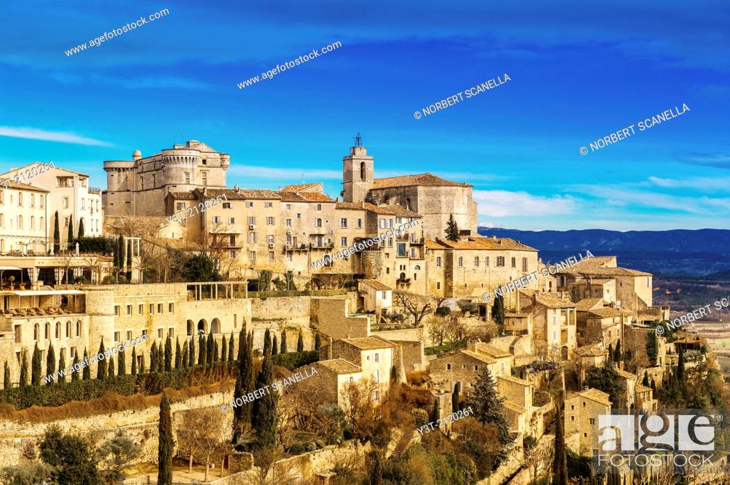 Stock Photo: Europe, France, Vaucluse, Gordes. The perched village.