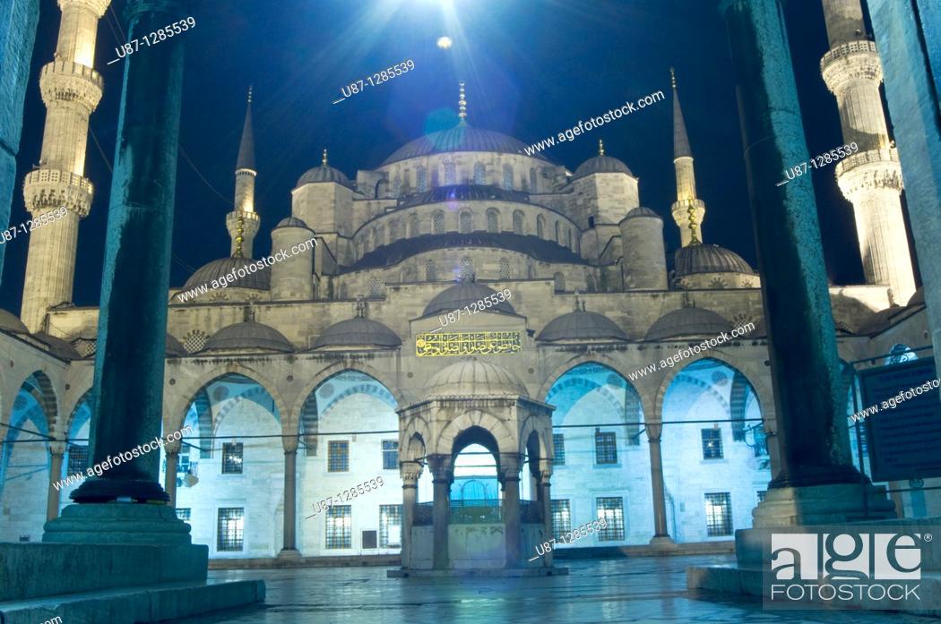 Stock Photo: Turkey, Istanbul, Sultan Ahmet Camii, Blue Mosque, Illuminated, Night.