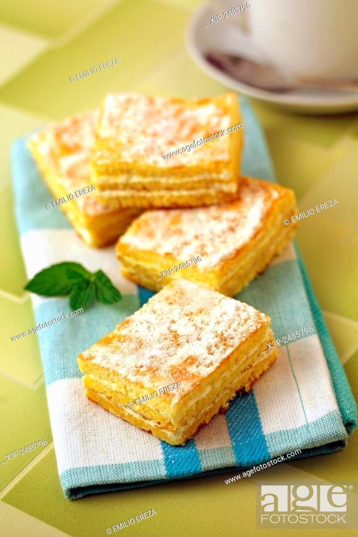 Stock Photo: Sponge cake with cream.