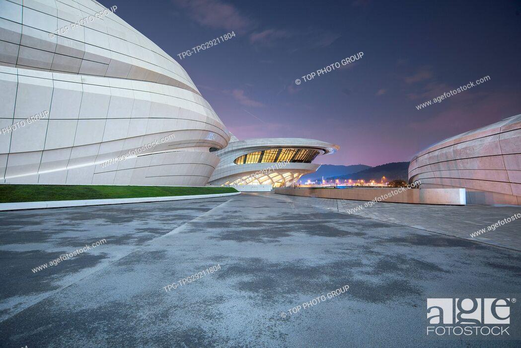 Imagen: Plum Sihu Grand Theatre;Changsha;Hunan; China.