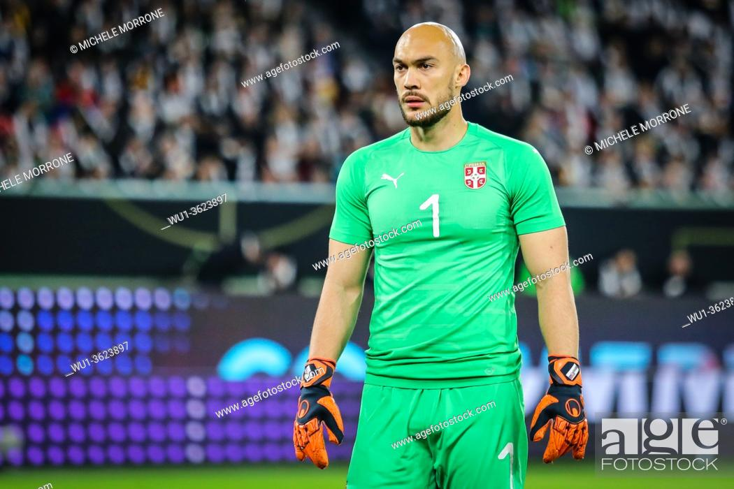 Imagen: Wolfsburg, Germany, March 20, 2019: Serbia national team goalkeeper Marko Dmitrovic during the international friendly game between Germany and Serbia at.