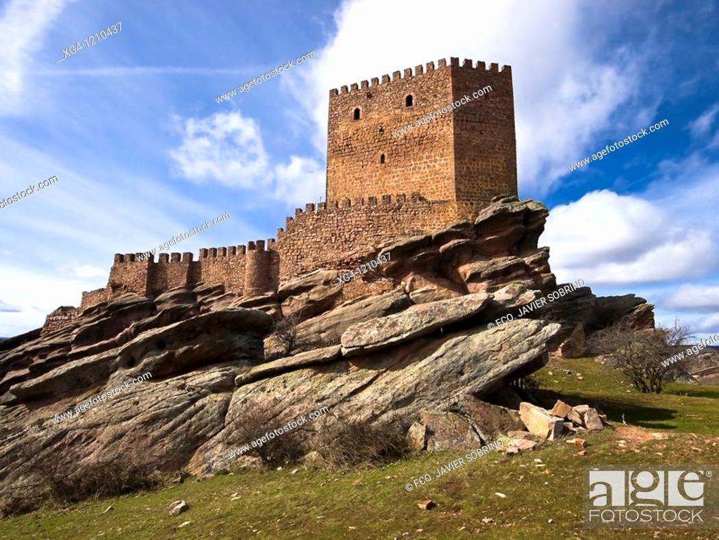 Stock Photo: Castillo de Zafra, fortaleza medieval construida entre los siglos X y XI - Hombrados - Campillo de Dueñas - Sierra de Caldereros - Guadalajara - Castilla la.