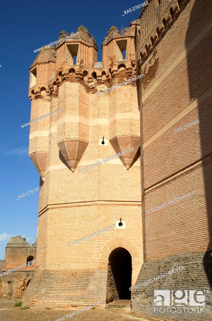 Imagen: Castle of Coca, built 15th Century, Coca, Segovia, Spain.