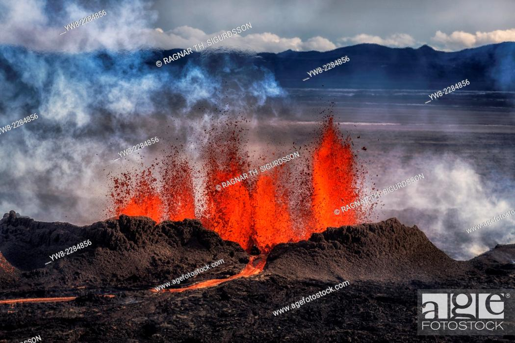 Stock Photo: Volcano Eruption at the Holuhraun Fissure near the Bardarbunga Volcano, Iceland. August 29, 2014 a fissure eruption started in Holuhraun at the northern end of.