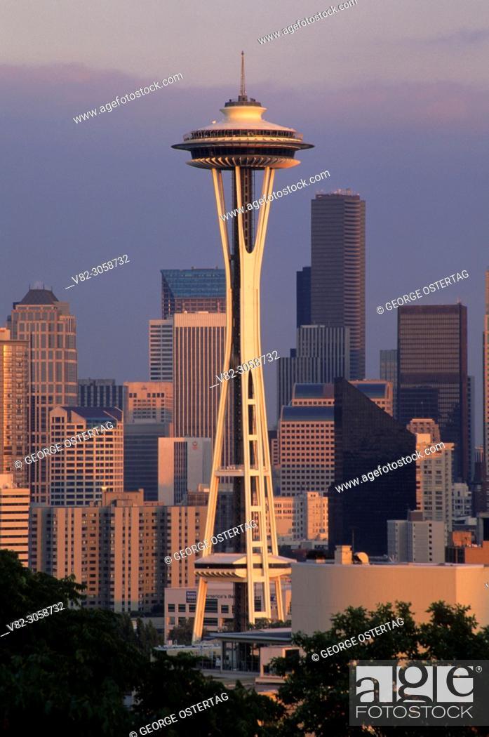 Stock Photo: Downtown view with Space Needle, Kerry Park, Seattle, Washington.