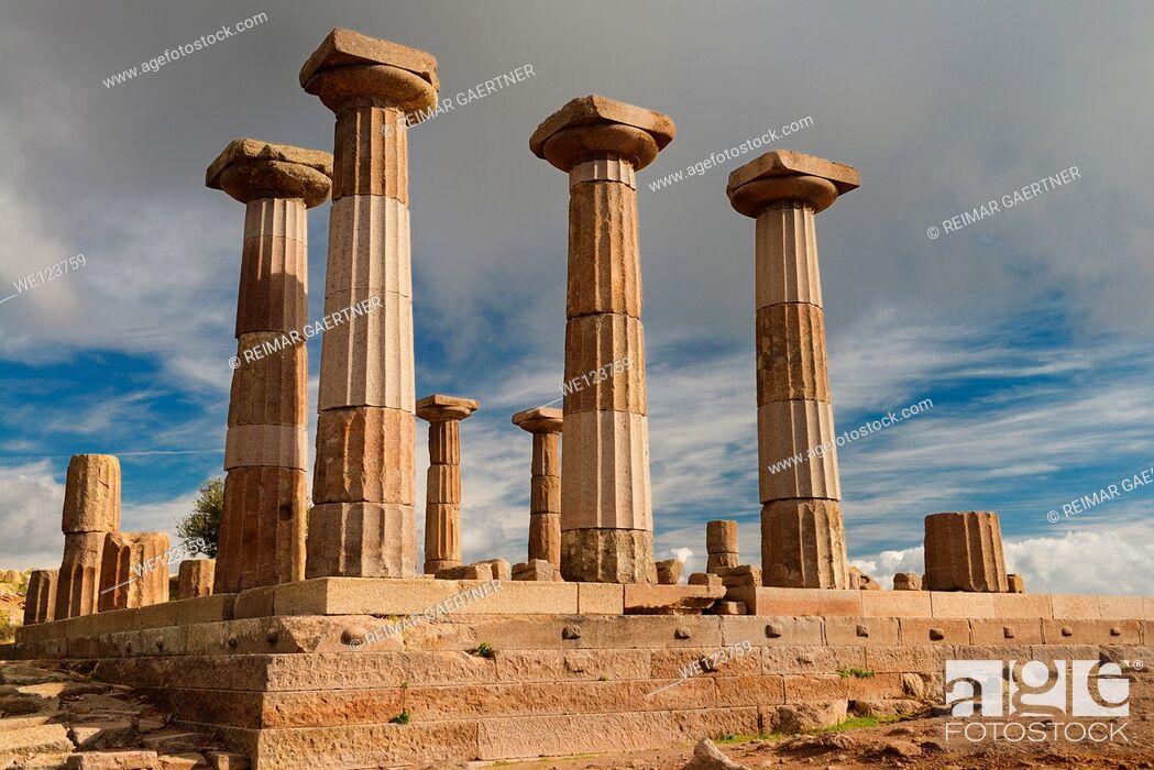 Stock Photo: Doric column ruins of the temple of Athena of Assos Behramkale Turkey.