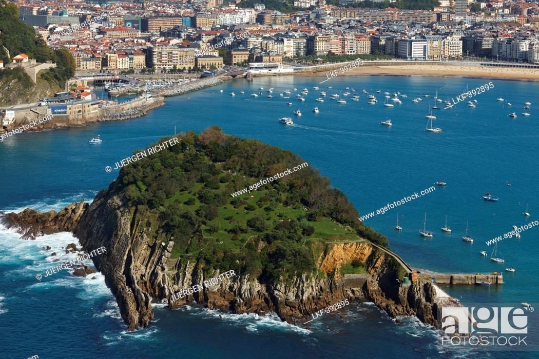 Stock Photo: View from Monte Igeldo onto a bay with island, Playa de la Concha, Isla de Santa Clara, Bahia de la Concha, San Sebastian, Donostia, Camino de la Costa.