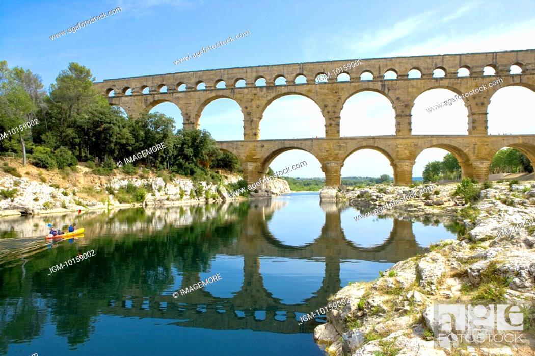 Stock Photo: Pont du Gard Bridge, Roussillon, Languedoc, France.