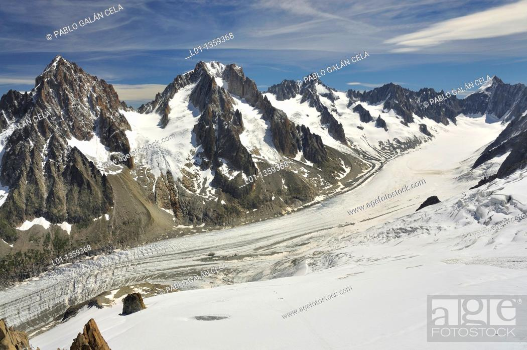 Stock Photo: Glaciar y Agujas d'Argentiere, Alpes franceses.
