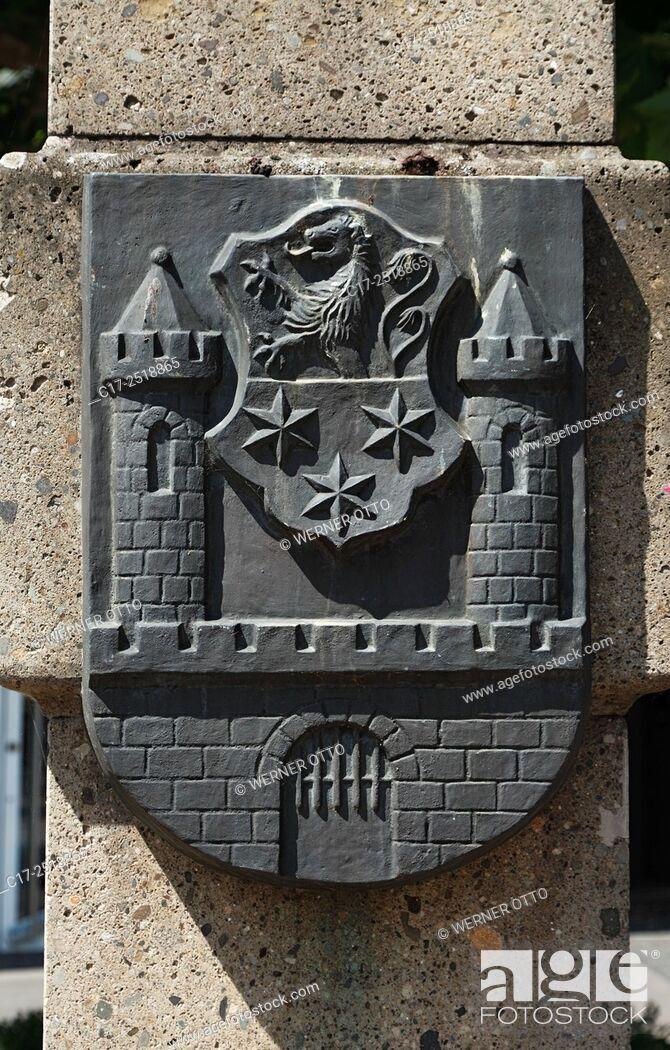 Stock Photo: Germany, Viersen, Niers, Lower Rhine, Rhineland, North Rhine-Westphalia, NRW, tuff column at the Remigius Square, heraldic sign of Viersens twin town Calau.